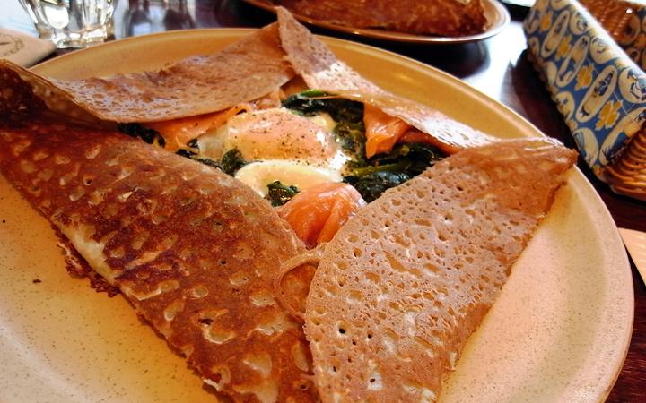 編集部が訪れた美味しい名店『足跡レストラン』|CAFÉ-CREPERIE LE BRETAGNE|表参道