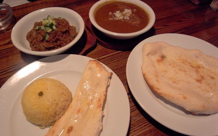 編集部が訪れた美味しい名店『足跡レストラン』|カリーバー ヘンドリクス|千駄ヶ谷