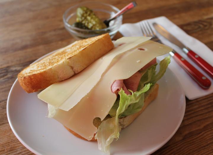 この料理に感動した『こだわりの一皿』|ハム&スイスチーズ|TOM'S SANDWICH|代官山