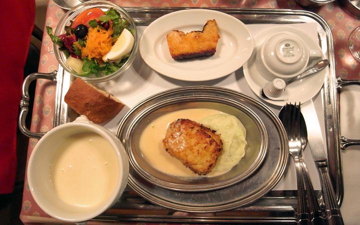 編集部が訪れた美味しい名店『足跡レストラン』|コンコンブル|渋谷