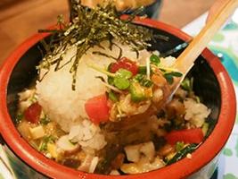 この料理に感動した『こだわりの一皿』|スタミナ納豆重|水瓶屋|北青山