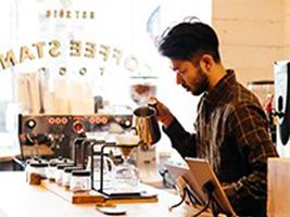 キャッシュレス・デジタルコーヒースタンド「THE LOCAL」が青山通りにオープン。