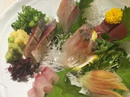 編集部が訪れた美味しい名店『足跡レストラン』|八丈島料理 はっとり|原宿