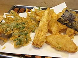 編集部が訪れた美味しい名店『足跡レストラン』|天ぷら 松林|神宮前