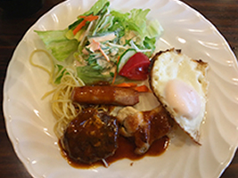 編集部が訪れた美味しい名店『足跡レストラン』|ポパイ|三軒茶屋