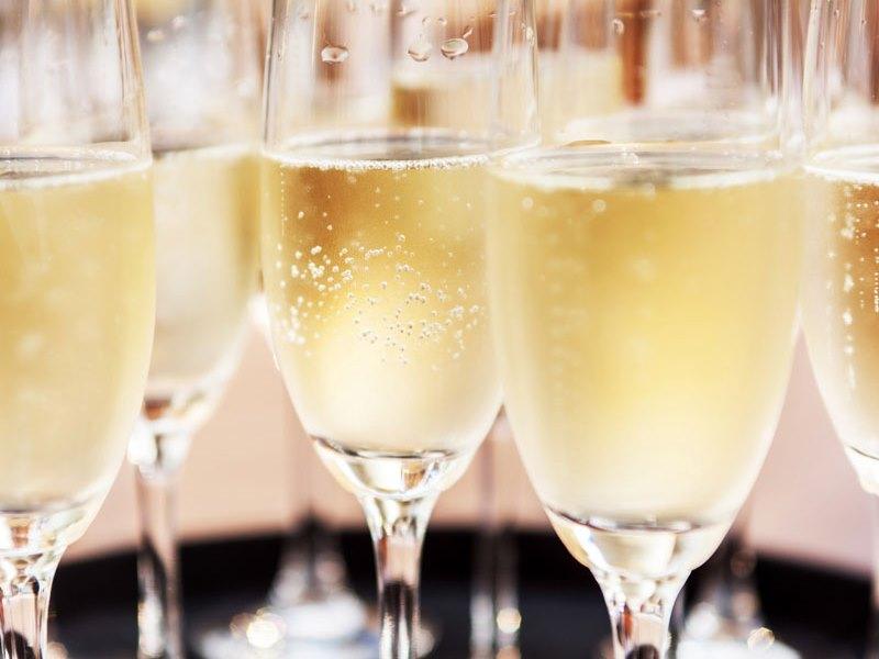 銀座で昼シャン、仕事帰りのちょいシャンに、シャンパンカフェはいかがでしょう?