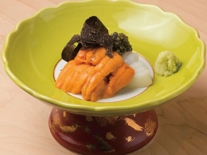|和食とワイン|東京「和食とワイン」の名店|丁寧な仕事が光る 昔ながらの江戸前寿司「鮨からく」ー銀座ー