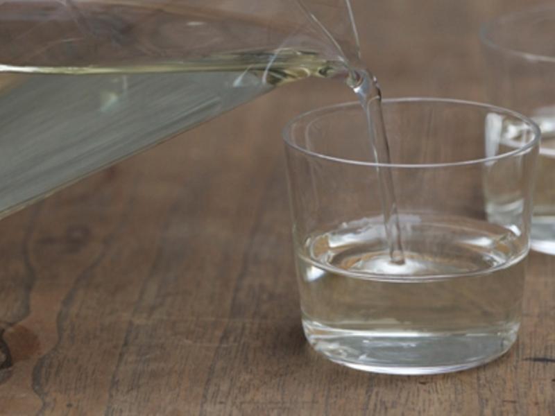 |季節のおくりもの|日本酒を優雅にいただくなら 木村硝子店の「カルタ Gift Box」