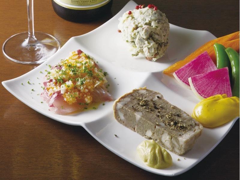 #28|ワインがすすむ料理をさまざまなシーンで[銀彗富運]新宿三丁目