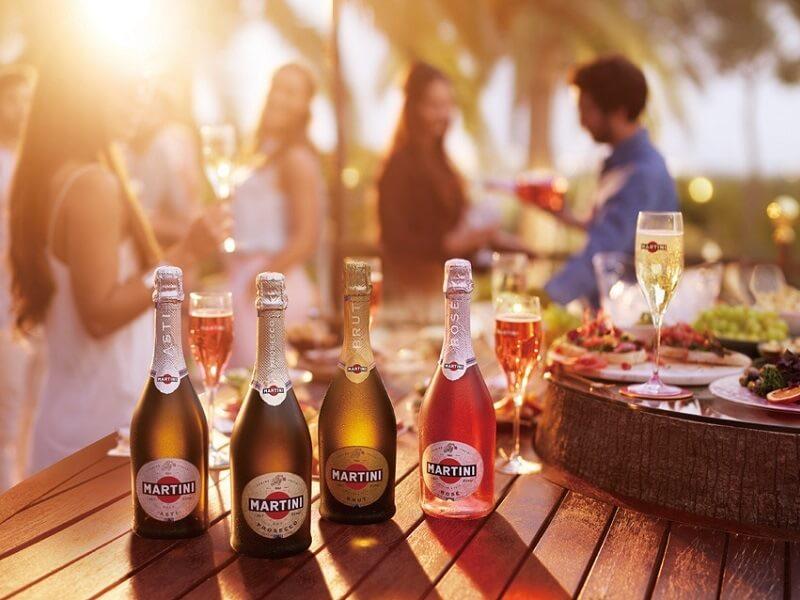 イタリアンスパークリングワイン世界No.1「マルティーニ」で、あなたらしいパーティを楽しもう!