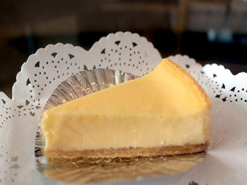 四半世紀味を守り続けているヨハンの「チーズケーキ」|ライターに訊く当意即妙なギフトの手口
