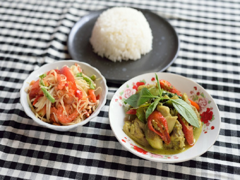 ミシュラン一つ星を獲得したタイ・イサーン料理店「ソムタムダー」が待望の日本初上陸