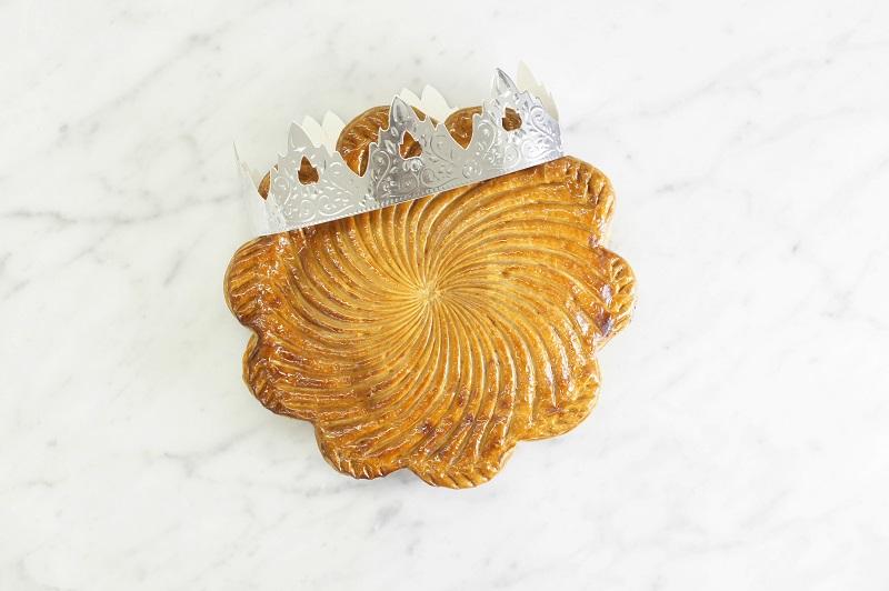 |季節のおくりもの|メゾンカイザーのフランス伝統菓子「ガレット デ ロア」