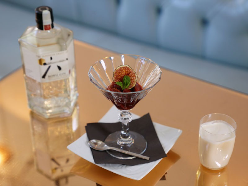 Enjoy Autumnal ROKU Cocktail and Marron Liqueur Paired with Dessert|Suntory ROKU × Yashin Ocean House